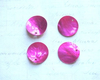 4 charms / mother of Pearl genuine fuchsia 18mm
