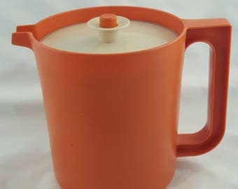 Vintage Tupperware Water Juice Pitcher 1575-9 Push Button Seal Holds 1.5 Quarts