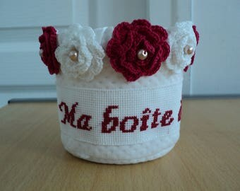 box beauty to bathroom with crochet flowers appliques