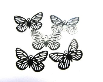 METAL ENGRAVED END LACQUER BLACK 16/25 MM METAL BUTTERFLY PENDANT