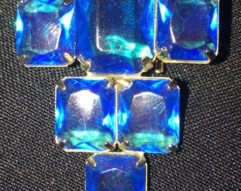 1930s art deco brooch pin with light blue stones