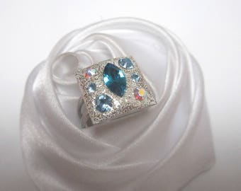 Blue Crystal ring to decline in blue