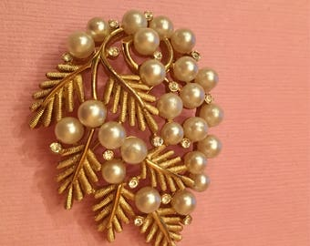 1960s signed Trifari pearl and leaf cluster pin