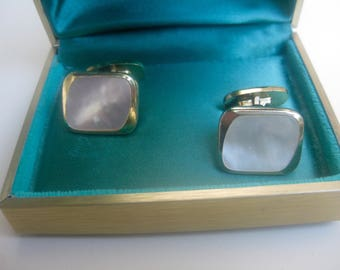 Org. 50 he j. cufflinks with mother of Pearl in the case