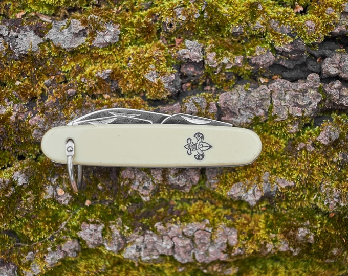 Boy Scout Pocket knife made by Imperial rare white color 4 blade