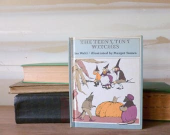 Vintage Halloween Book / Three Teeny Tiny Witches / Child's Book / Weekly Reader
