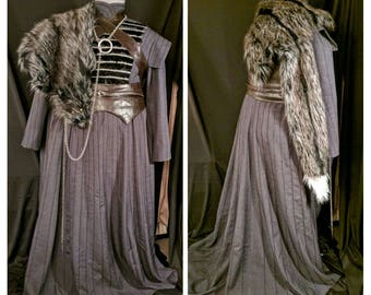 Sansa Stark Season 7 grey dress with wolf collar and cloak with faux fur pelt, Game of Thrones cosplay, Lady Sansa costume
