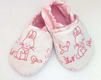 Stay-on baby shoe, crib shoe, soft sole baby shoe, baby slippers, baby moccasin, baby shoe, infant shoe, soft sole bunny