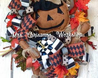 Halloween wreath, pumpkin wreath, witch wreath, primitive wreath, Burlap wreath, fall wreath, black and white, deco mesh wreath