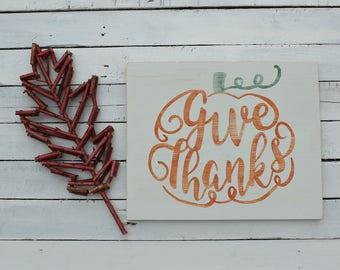 Rustic Thanksgiving Decor, Rustic Pumpkin Decor, Fall Farmhouse Sign, Fall Wood Signs, Fall Decorations, Wooden Pumpkin Decor, Give Thanks