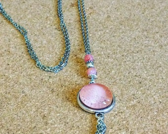 Necklace silver and pink glitter glass cabochon