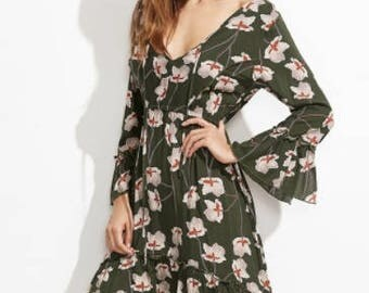Women Florals Deep V Neck Split Bell Sleeve Dip Hem Dress
