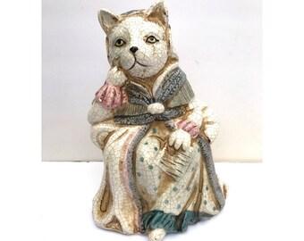 Cat Statue- Decorative Figurine -- Decorative Cat Figurine -- Cat Figurine -- English Cat Figurine -- Cat Queen