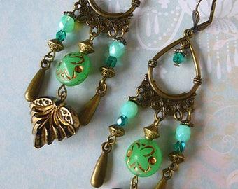 "Bohemian earrings ""Foliage"", bronze, filigree, Czech glass emerald green and turquoise, vintage leaf"