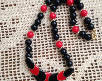 Vintage enamel necklace, Black and red, pendant