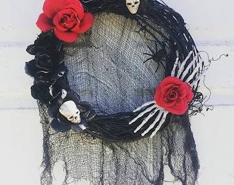 Halloween skeleton wreath- creepy Halloween wreath- Halloween door hanging wreath