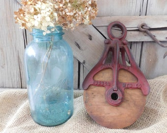 Vacation *** SHIPPING DELAY *** Vintage Hudson Wood Barn Pulley, Cast Iron Pulley, Farmhouse Decor, Barn Treasures, Fixer Upper