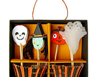 Meri Meri Halloween cupcake kit. Halloween cupcake topper. Halloween party decor. Halloween tableware. Halloween party. witch toppers