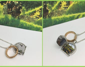 The Shire - Opening hobbit door locket necklace with the one ring. Lord of the rings.