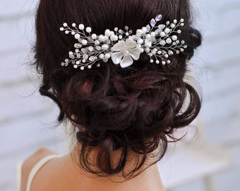 Bridal headpiece Wedding hair comb Bridal hair comb Flower comb Crystal hair accessories Wedding comb Pearl hair comb Wedding hair piece