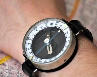 Vintage Wrist Compass - Compass Gift - Adventurer Gift - Working Compass - Travel Compass - Army Compass - Military Compass - Old Compass