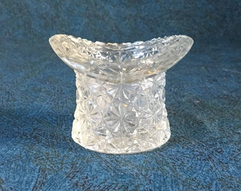 Vintage Daisy and Button Small Top Hat Toothpick Holder