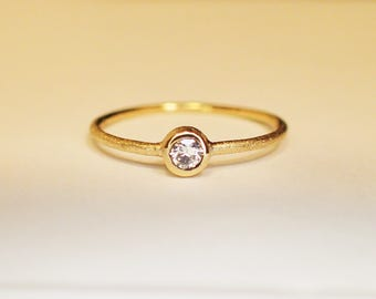 Ring Gold 14 kt diamond