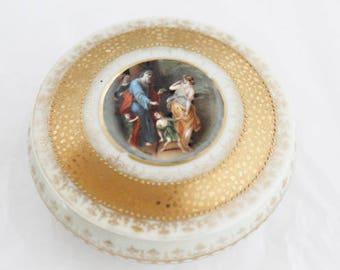 Wonderful antique CM Hutschenreuther Hohenberg porcelain keep-sake box with a cameo after a painting of Adriaen Van der Werff  c1910s