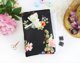 Mimi Bikini Scuba! Sewing kit - Black Floral