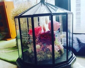Preserved Flowers Arrangement (SHISHI Wooden Glass Case)