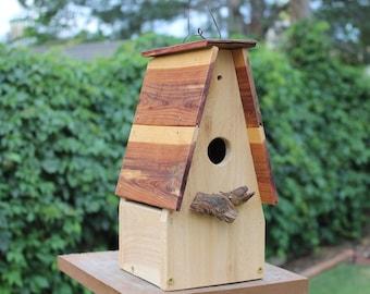 O'Cedar Birdhouse