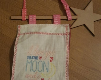 Wall Hanging with I love you to the moon and back