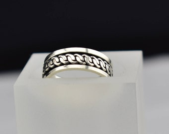 Sterling Silver Spinner band Ring, size 7