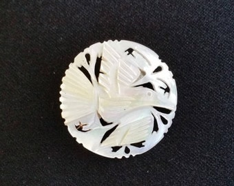 Mother of Pearl Medallion Brooch
