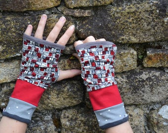 Fingerless gloves dark gray and Red patterned