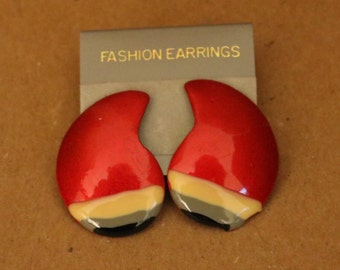 Vintage New Pierced Earrings w/Layered Colors