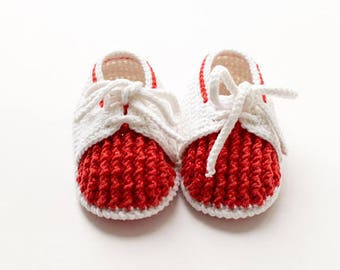 Red Baby mocassins Baby reveal box Baby moccasins Baby uggs Baby moccs Baby sandals Cute baby clothes Crochet baby booties Baby socks Baby