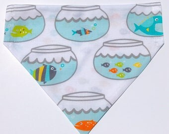 """Over the collar (slide on)  Pet Bandana - Size MED/LARGE - """"When you're ready to swim, let minnow!"""" bandana"""