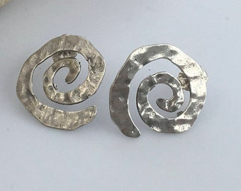 Silver stud Earrings, Silver earrings, Minimal earrings, Simple earrings, Modern earrings, Stud earrings, Circular silver earrings,