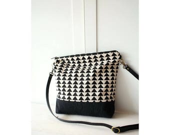 Cross-body bag, Triangle Print bag, Zippered Bag, Day bag triangle with leather strap