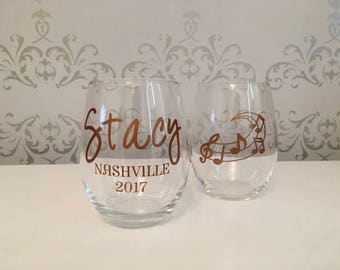 Custom wine glasses, custom girls trip wine glass, custom girls trip gifts, girls weekend gifts, girls vacation gift, personalized gifts