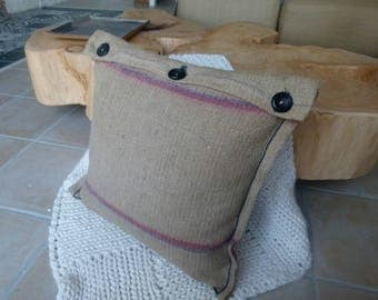 Square burlap pillow