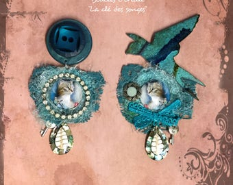 "Earrings baroque turquoise cats - glass - mother of Pearl - shell - resin - rhinestone cabochons - buttons ""Key of dreams"""