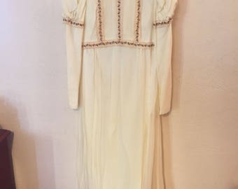 Beautiful Vintage 60s/70s Dress Size Small 2-4 Boho Flower Child