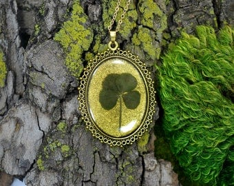 "Genuine 4 Leaf Clover Cameo Necklace [BC 010] /Gold Tone 18"" Necklace / White Clover Pendant / Triforium Repens / Good Luck Charm"