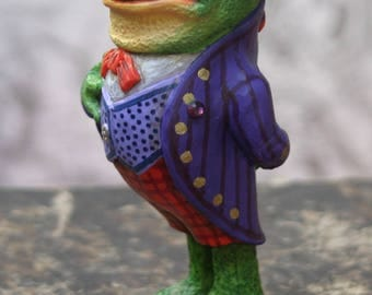 Figurine Footman - Grenouille.The Frog Footman. Alice's Adventures in Wonderland.The Frog.Les adventures of Alice country wonders