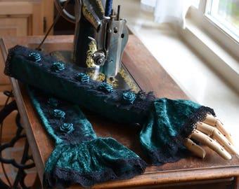 wrist warmers Caitlyn, victorian wrist warmers, gothic wrist warmers