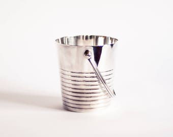 Ice Bucket Christofle 'Ondulations' by Luc Lanel (1930s). Art Deco Ice Bucket, 1930s Ice Bucket, Silver Ice Bucket, Modernist Ice Bucket