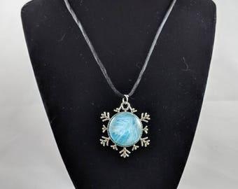 Snowflake Pendant - Blue & White