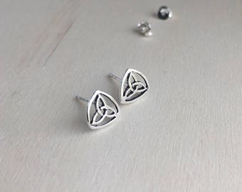 Celtic Triangle Stud Earrings - 925 Sterling Silver - celtic stud earrings - celtic knot earrings - triquetra celtic knot -Triquetra jewelry